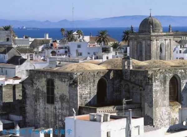 塔利法的老城区被古城墙所包围