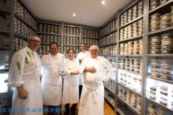 Juan Mari和Elena Arzak这对父女组合几乎重新定义了新巴斯克烹饪之道,它的影响甚至传播到了传说中的El Bulli。