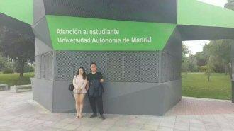 濮老师与优秀学生在西班牙