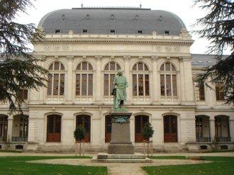 里昂第二大学